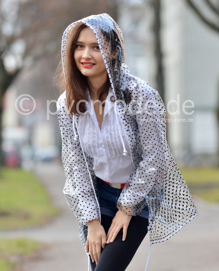 Regenjacke aus PVC mit Polka Dots