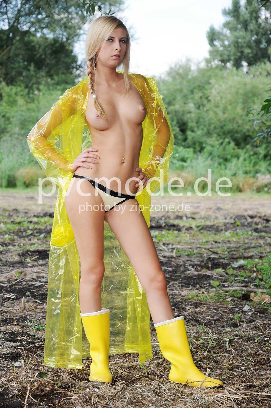 PVC Regenmantel gelb glasklar