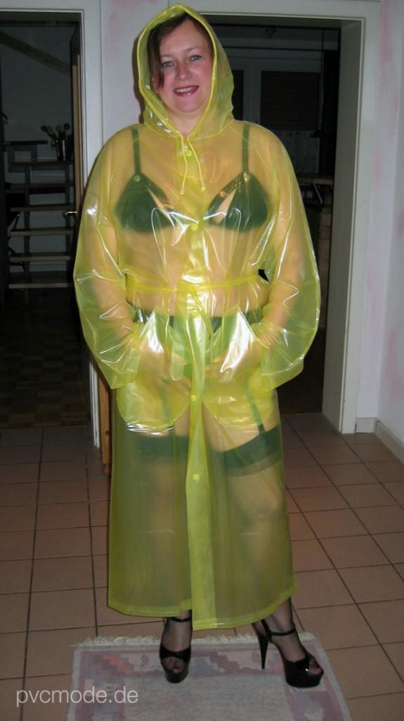 PVC Regenmantel transparent gelb