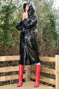 RA68 - PVC Regenmantel in hochglanz schwarz PVC